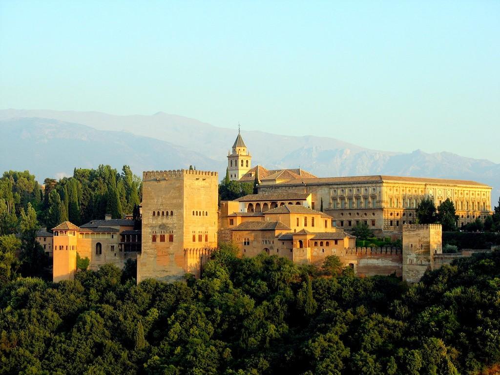 Granada s CK Simon Tourist
